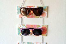 DIY bright plaque sunglasses holder