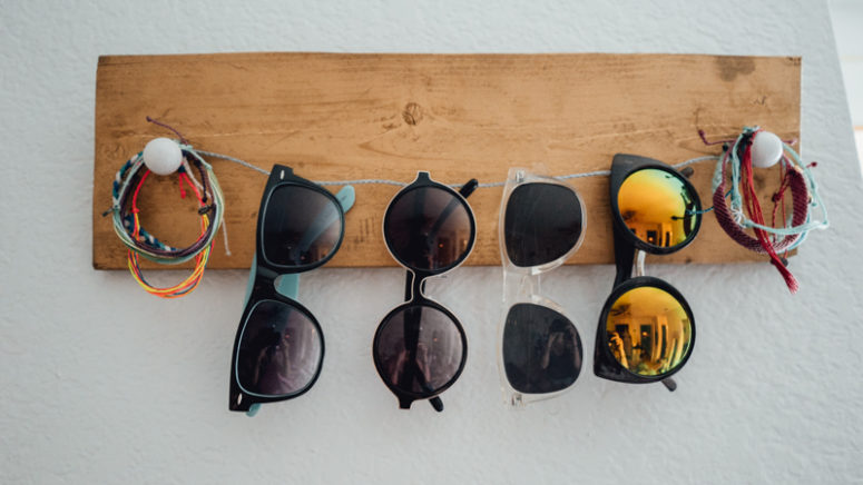 DIY rustic and twine sunglasses holder (via blog.puravidabracelets.com)