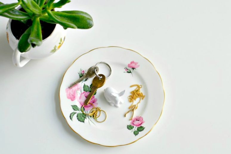 DIY jewelry dish of vintage china and porcelain animals (via www.burkatron.com)