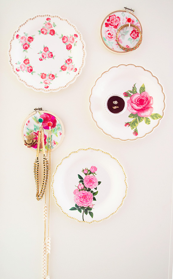 DIY jewelry display using cheap plates and temporary tattoos (via onceuponherdream.blogspot.com)