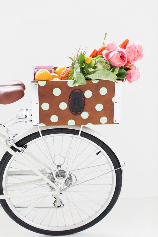 DIY polka dot bike crate of a wooden box (via sugarandcloth.com)