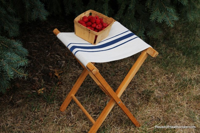 DIY faux grain sack camp stool  (via www.houseofhawthornes.com)