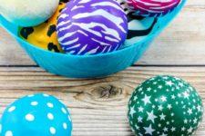 DIY super colorful flour filled stress balls