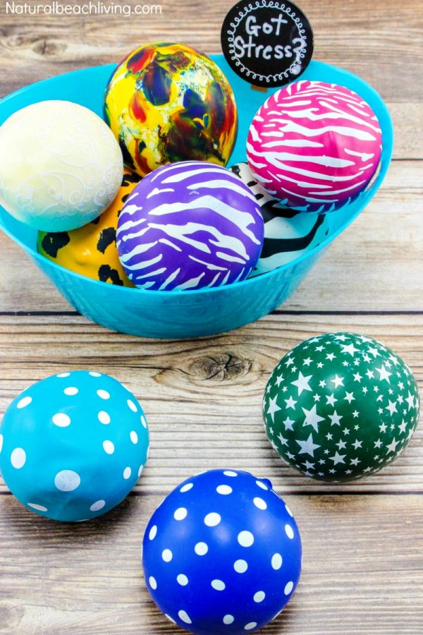 DIY super colorful flour filled stress balls (via www.naturalbeachliving.com)