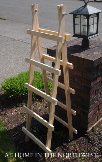 DIY ladder style garden trellis (via www.jengildayinteriors.com)