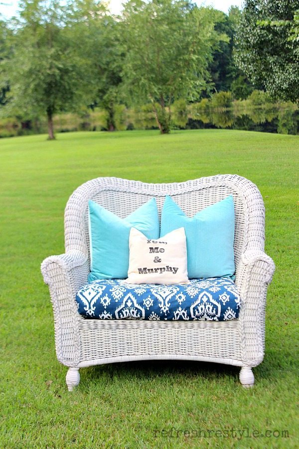 DIY spray painted white wicker chair (via refreshrestyle.com)