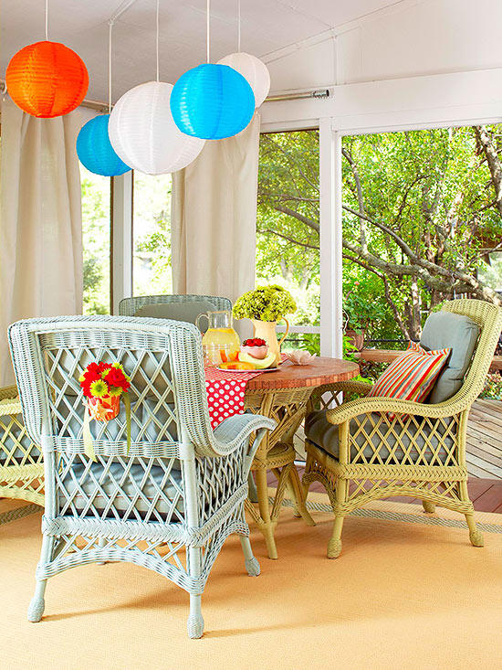DIY pastel painted wicker chairs (via www.bhg.com)