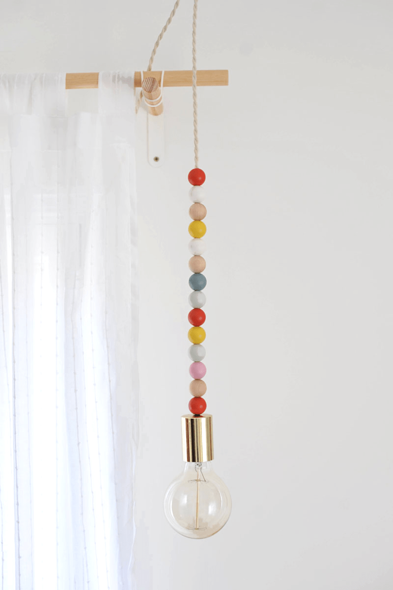 DIY colorful bead pendant light  (via www.newblooming.com)