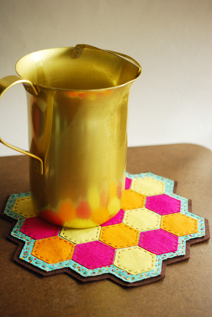 DIY colorful hexagon coasters (via wildolive.blogspot.com)