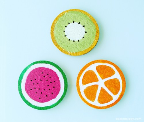 DIY fruity cork summer coasters (via www.shelterness.com)