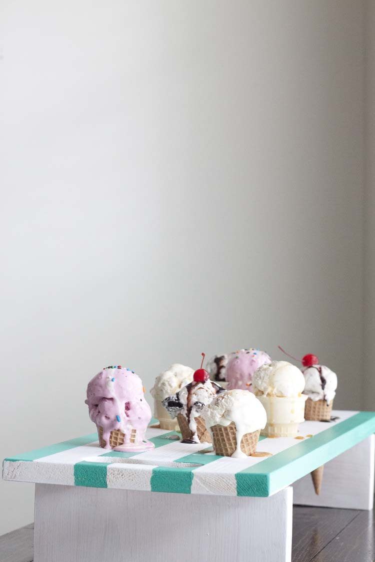 DIY colorful striped ice cream cone tray (via www.southernrevivals.com)