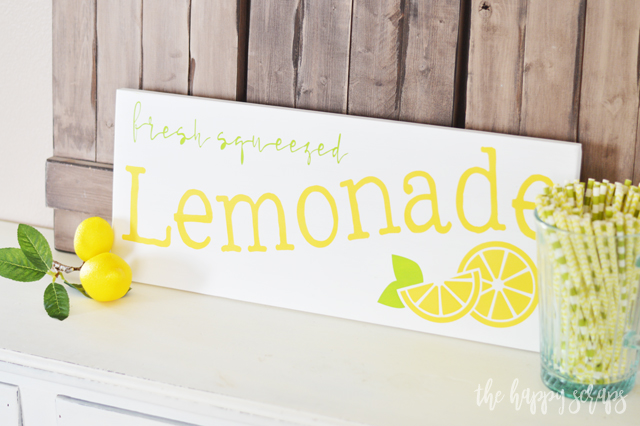 DIY fresh squeezed lemonade sign (via www.thehappyscraps.com)