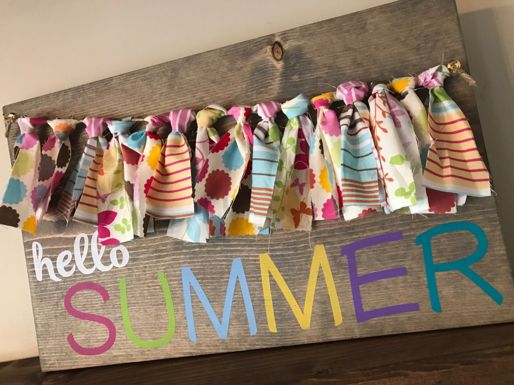DIY colorful summer sign with a bunting