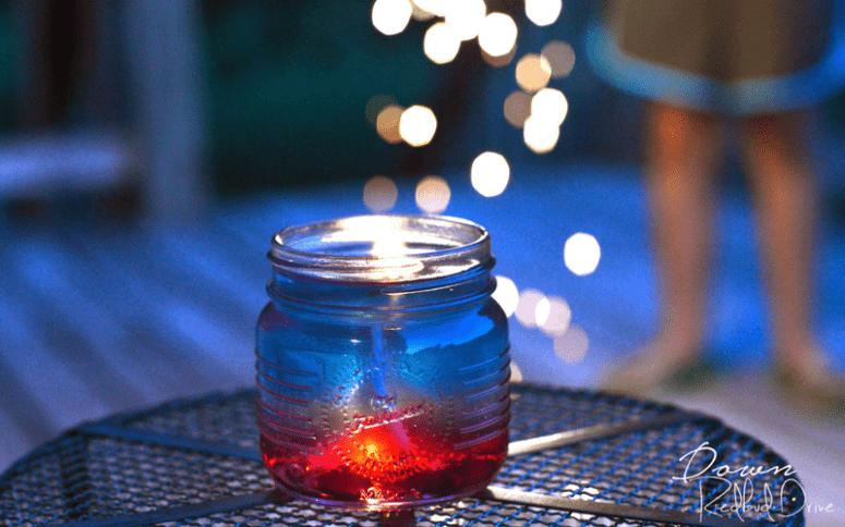 DIY patriotic citronella jelly candle (via www.downredbuddrive.com)