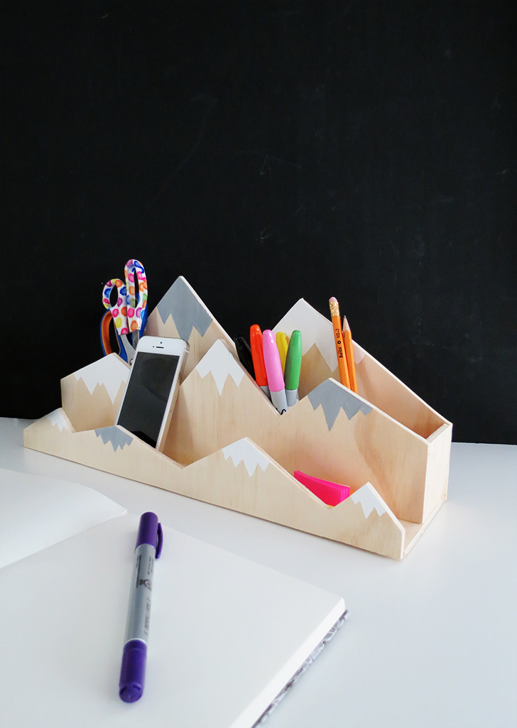 DY painted plywood mountain desk organizer (via www.dreamalittlebigger.com)