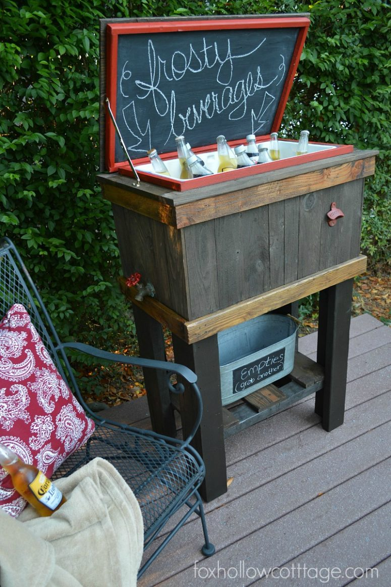 DIY wooden drink cooler with a chalkboard lid (via foxhollowcottage.com)