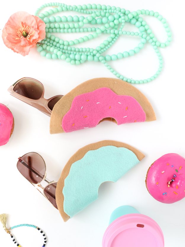 DIY donut sunglasses cases of colorful felt