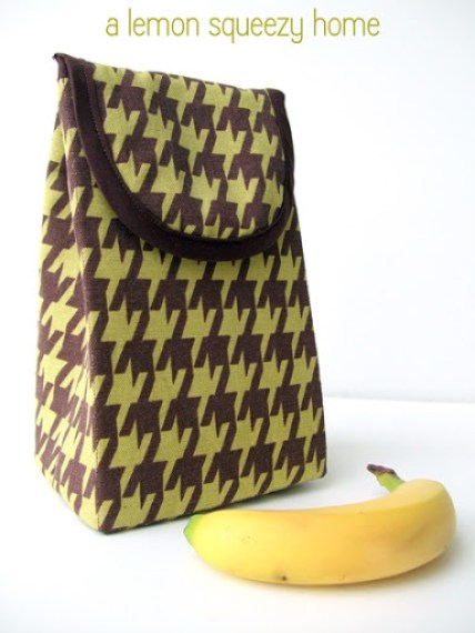 DIY printed lunch bag lined up with vinyl (via lemonsqueezyhome.com)