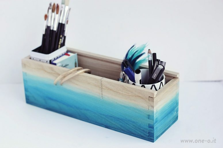 DIY ombre watercolor box organizer (via www.one-o.it)