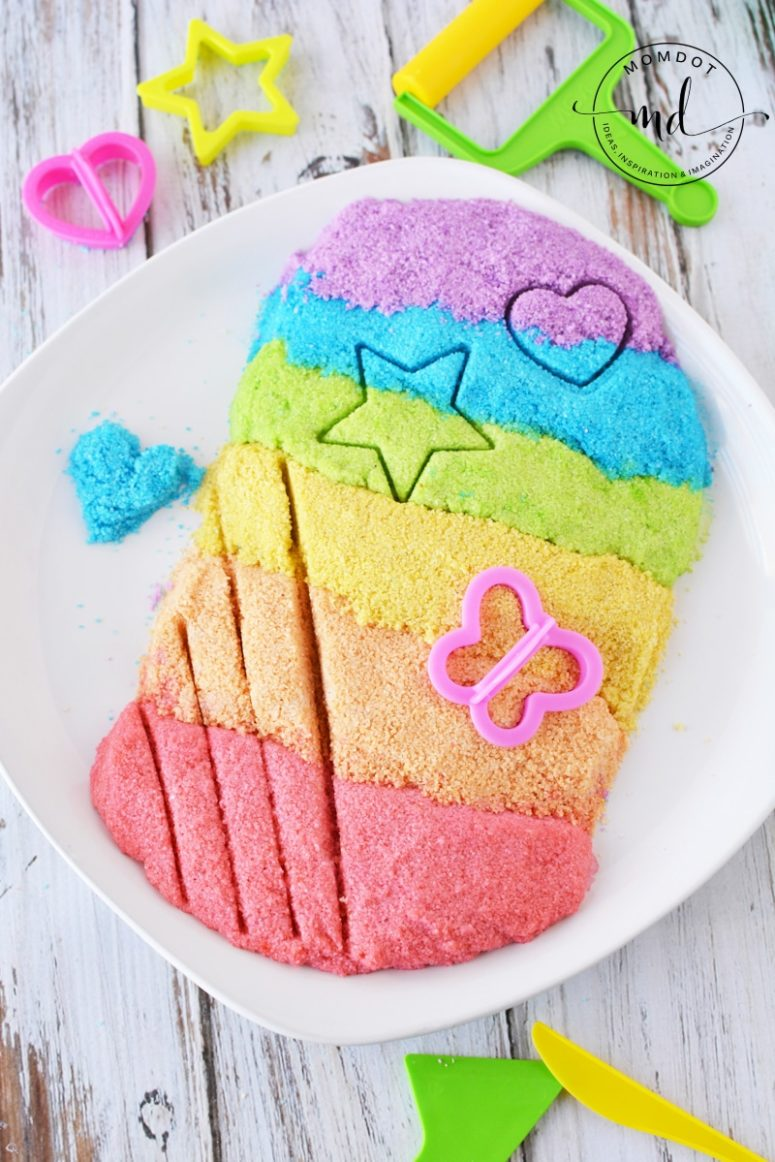 DIY rainbow colored kinetic sand  (via www.momdot.com)