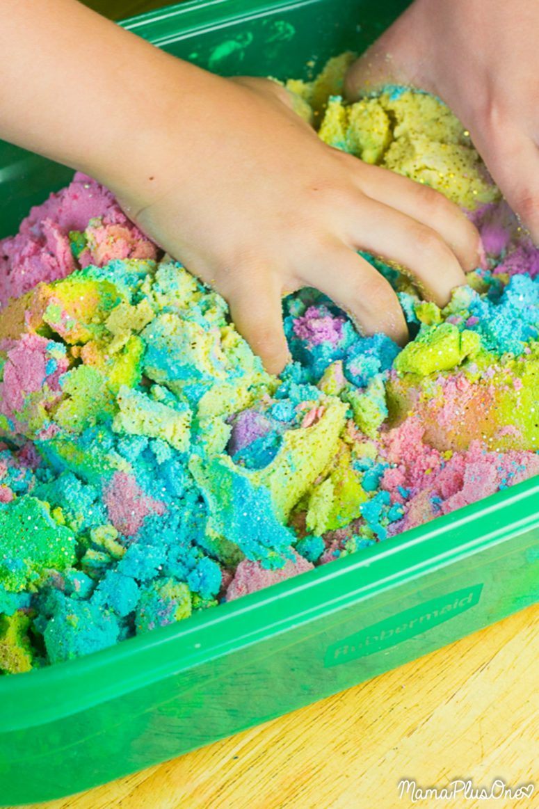 DIY unicorn kinetic sand in rainbow colors with glitter (via www.mamaplusone.com)