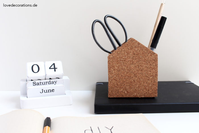 DIY cork house-shaped pencil holders (via lovedecorations.de)