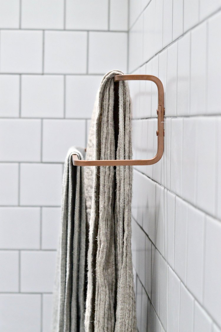 DIY fast copper IKEA towel rack hack (via yourdiyfamily.com)