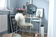 07 a Vittsjo vanity and a faux fur throw on your chair are all you need for a coolmakeup nook