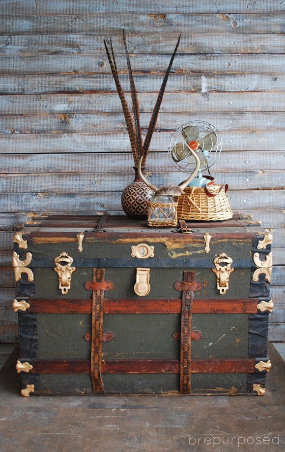 DIY vintage trunk renovation with paints and spray paints (via brepurposed.porch.com)