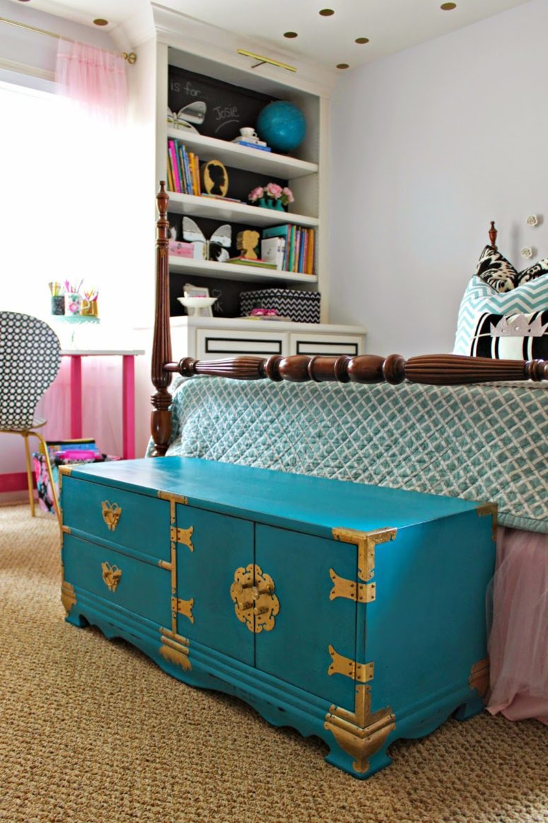 DIY oriental trunk repainting for a colorful touch (via www.infarrantlycreative.net)