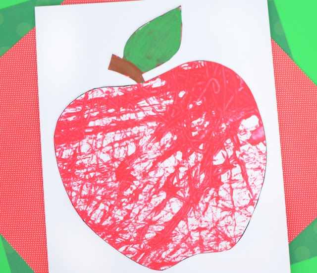 DIY marble painted apples as cards or decor (via www.paper-and-glue.com)