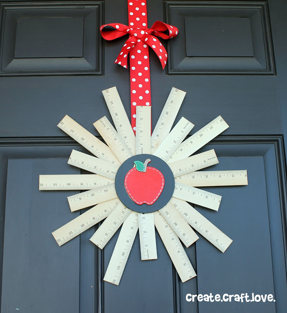 DIY back to school ruler wreath with an apple (via www.createcraftlove.com)