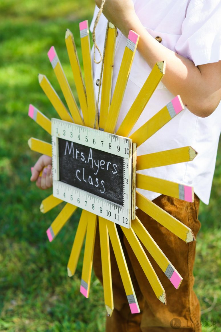 DIY pencil wreath of paint stirrers with a chalkboard  (via www.lilyardor.com)