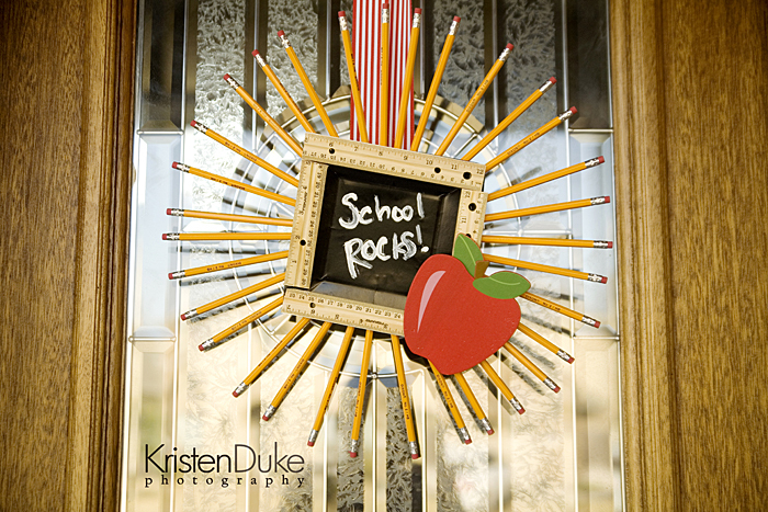 DIY pencil wreath with a chalkboard and an apple (via www.kristendukephotography.com)