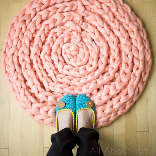 12 Diy Crochet And Knit Rugs To Cozy Up