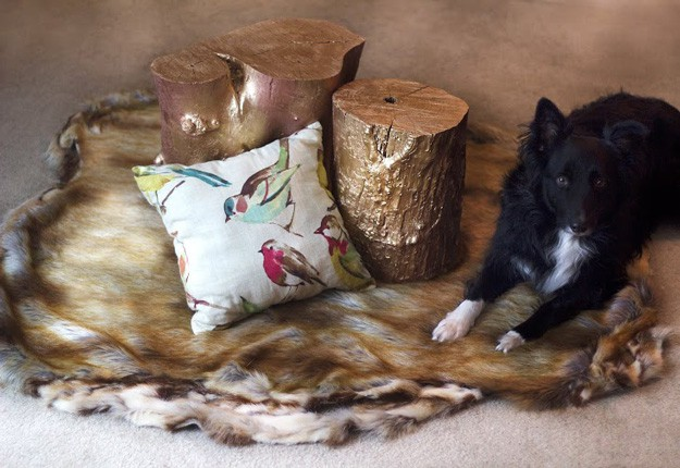 DIY faux fur rug for a rustic touch to your space (via diyprojects.com)
