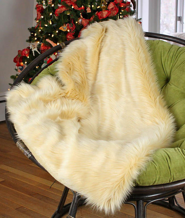 How to sew a faux fur throw (via gina-michele.com)