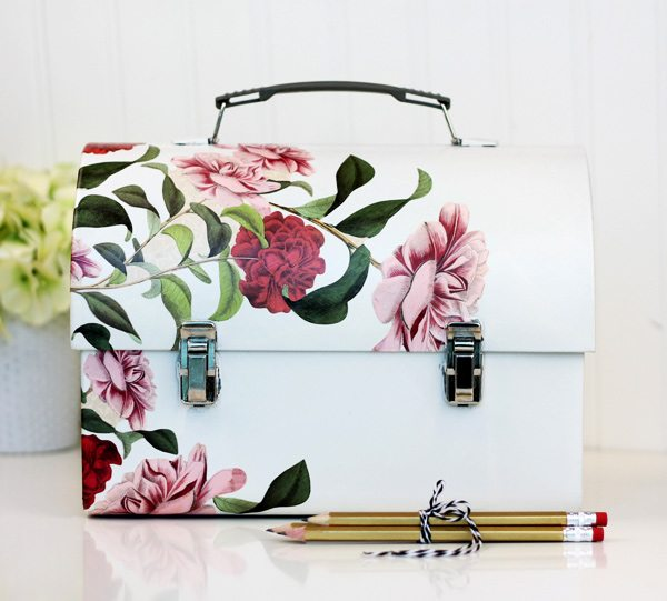 chic DIY metal lunch box with flower decoupage (via damasklove.com)