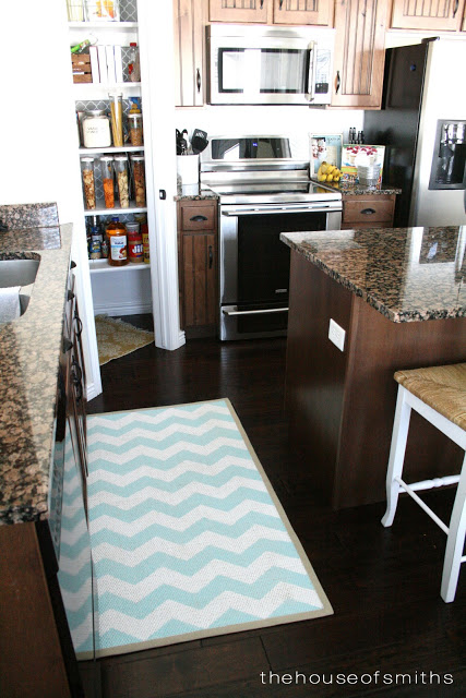 DIY chevron painted rug from an IKEA Egeby rug (via www.thehouseofsmiths.com)