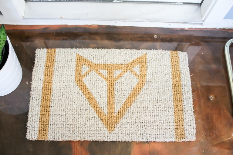 DIY geometric foxy doormat
