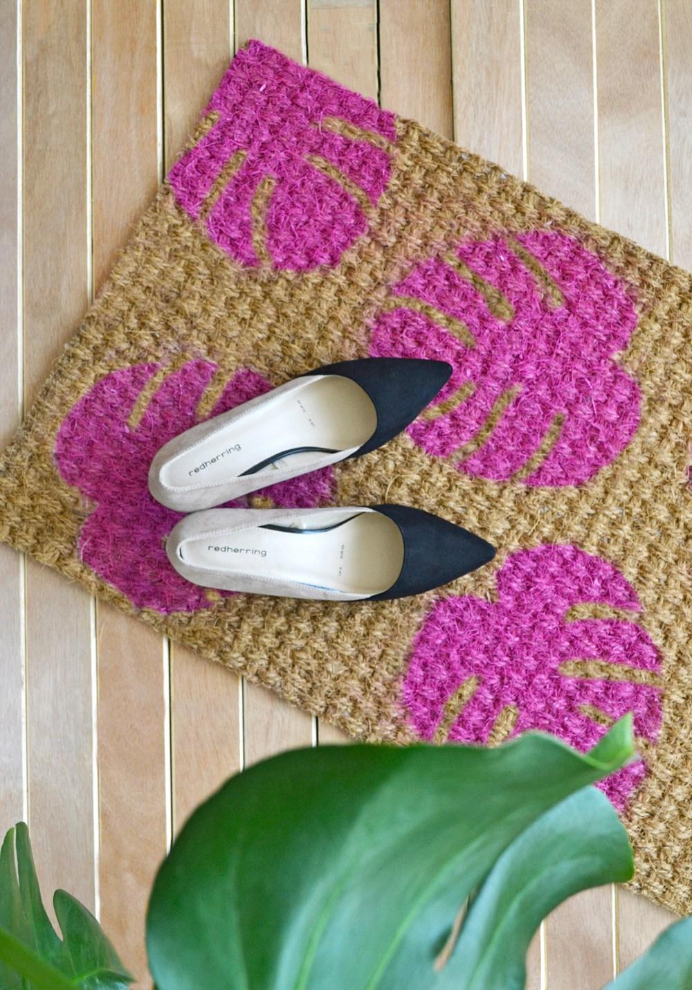 DIY bright pink monstera leaf doormat