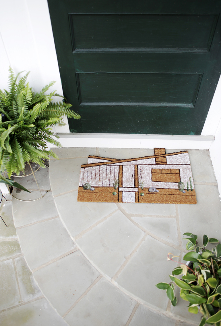 DIY cutomized house-shaped and painted doormat (via themerrythought.com)