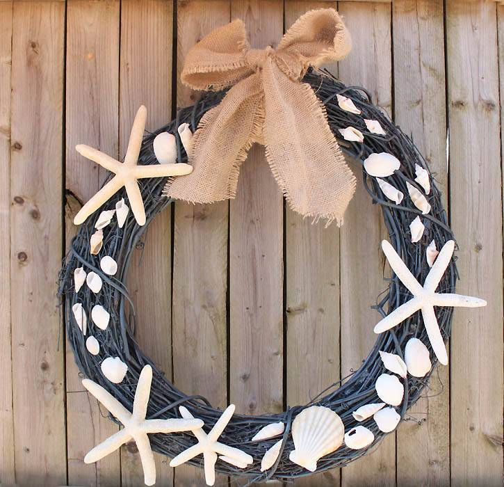 DIY grapevine wreath with sea shells and star fish
