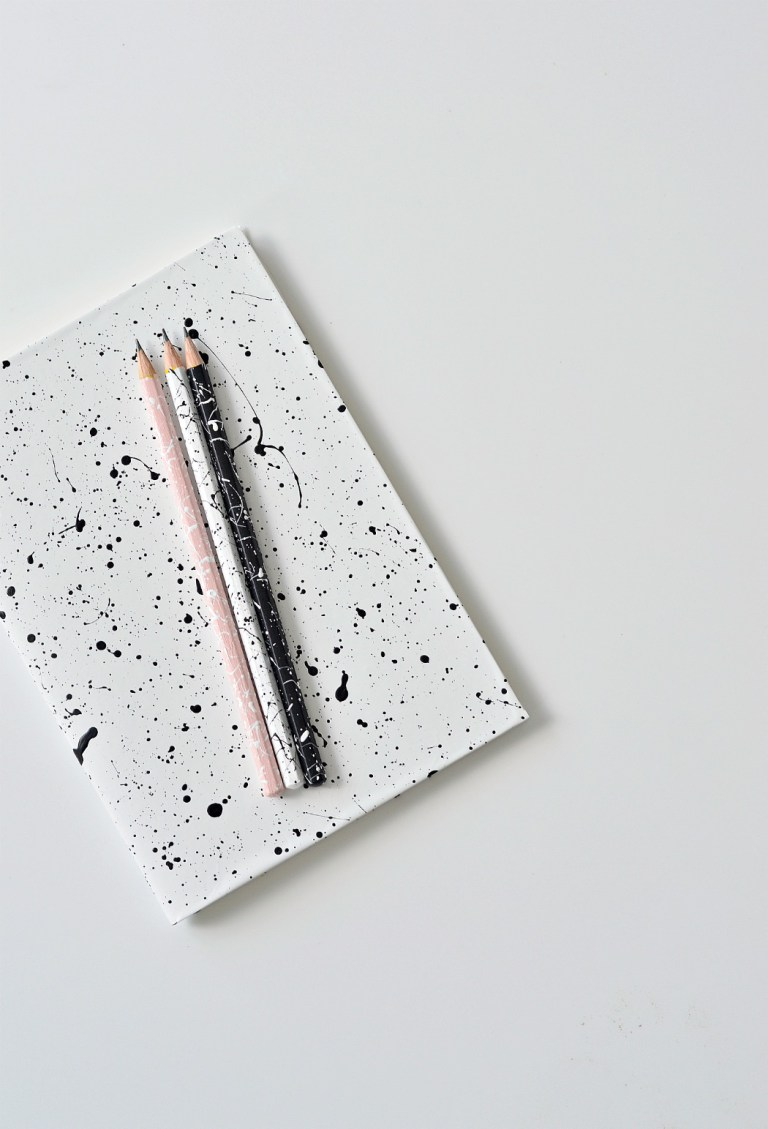 DIY paint splatter notebooks and pencils (via yourdiyfamily.com)