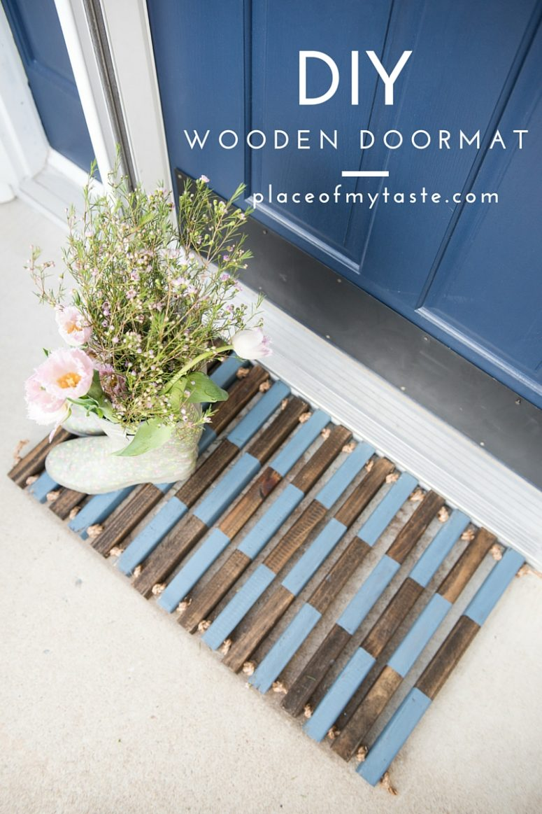 DIY stained and painted wooden doormat with sisal rope (via placeofmytaste.com)