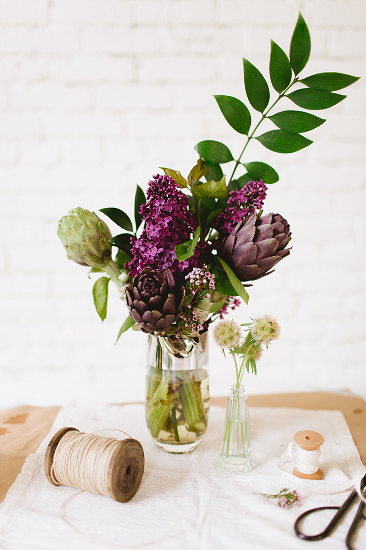 DIY artichoke, greenery and lilacs arrangement  (via jojotastic.com)