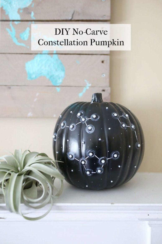 DIY painted and beaded constellation pumpkin (via www.shrimpsaladcircus.com)