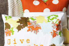 DIY appliqued pillow for fall or Thanksgiving