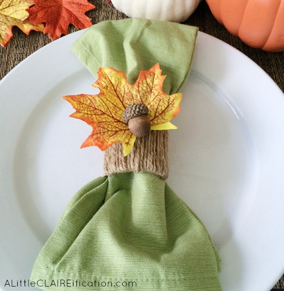 DIY rustic twine napkin rings with leaves and acorns (via alittleclaireification.com)