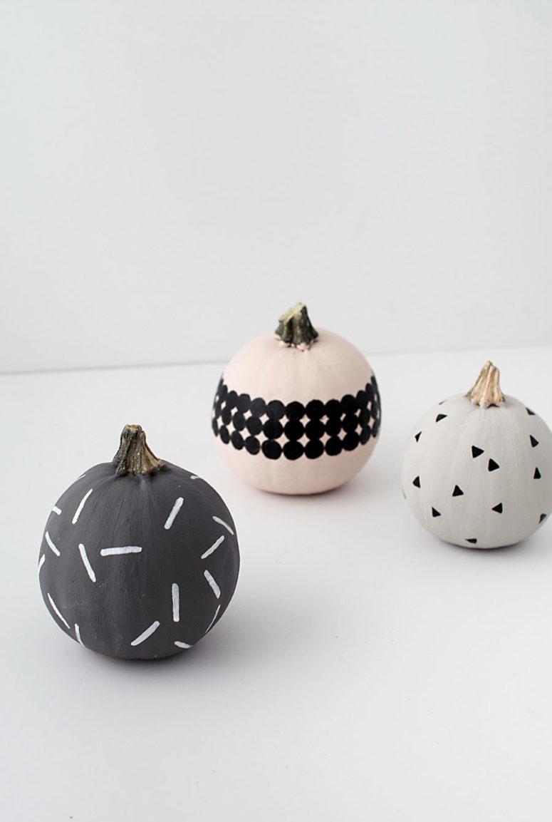 DIY modern patterned pumpkins (via www.homeyohmy.com)